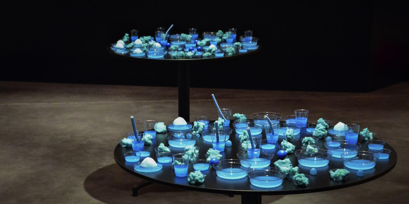 Laurent Duthion, Nuancier, 2014, création d'un « nuancier olfacto-gustatif monochrome » à l'occasion de la Nuit des 4 Jeudis, le 30 janvier 2014, Frac Bretagne, Rennes.