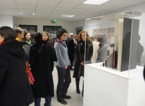 """Vernissage de l'exposition """"L'art mis en page"""" dans la galerie à vocation pédagogique du collège Saint-Joseph de Grand Champ (56)"""