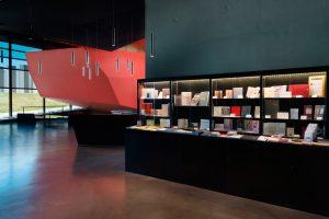 Vue de la librairie du Frac Bretagne, 2017 - Crédit Photo : François Poivret / Mael Le Golvan