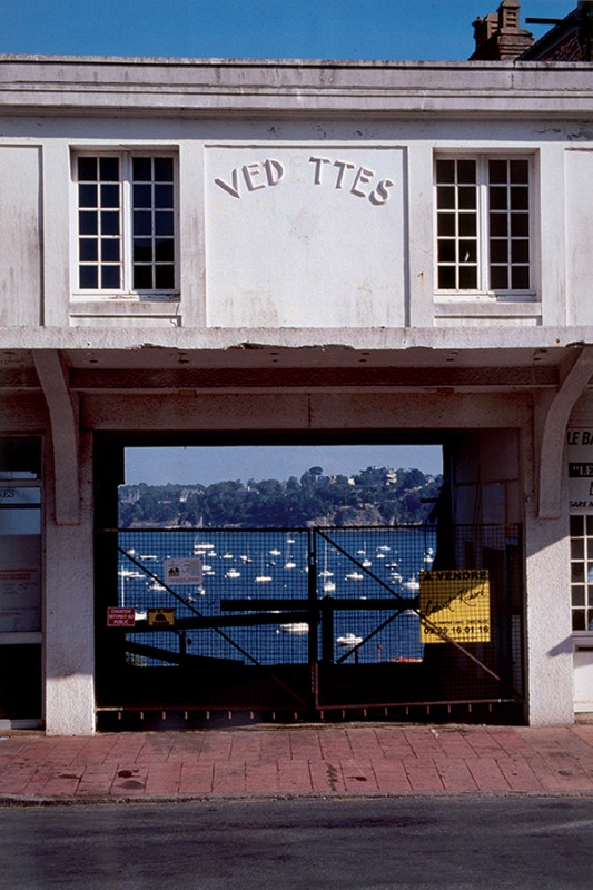 Raymond HAINS, Les Vedettes vertes à Dinard, 2003, Collection Frac Bretagne © ADAGP, Paris. Crédit Photo : Hervé Beurel