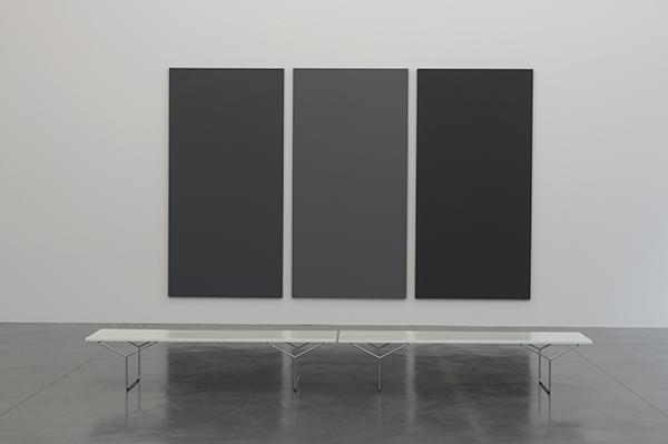 Alan Charlton, Panel, 1981, vue de l'exposition Collection. La composante Peintures. Frac Bretagne, Rennes, 2019 - Crédit photo : Marc Domage