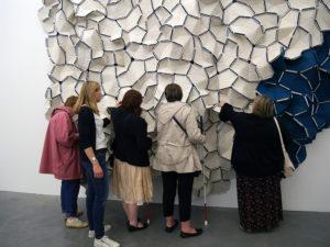 Visite descriptive et tactile de l'exposition Bouroullec présentée en 2016 au Frac Bretagne, Rennes