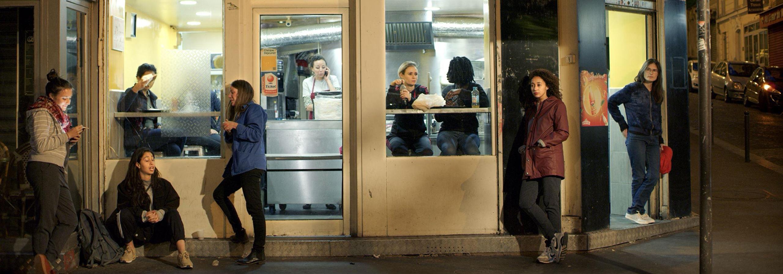 Randa Maroufi, Barbès, de la série : Les Intruses, 2019 Collection Frac Bretagne © Adagp, Paris - Crédit photographique : Frac Bretagne
